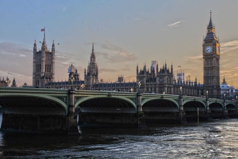 FundsOnline - Committee of MPs calls on Government to provide more support for charities